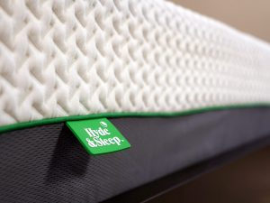 Close up shot of the Hyde & Sleep memory foam mattress logo